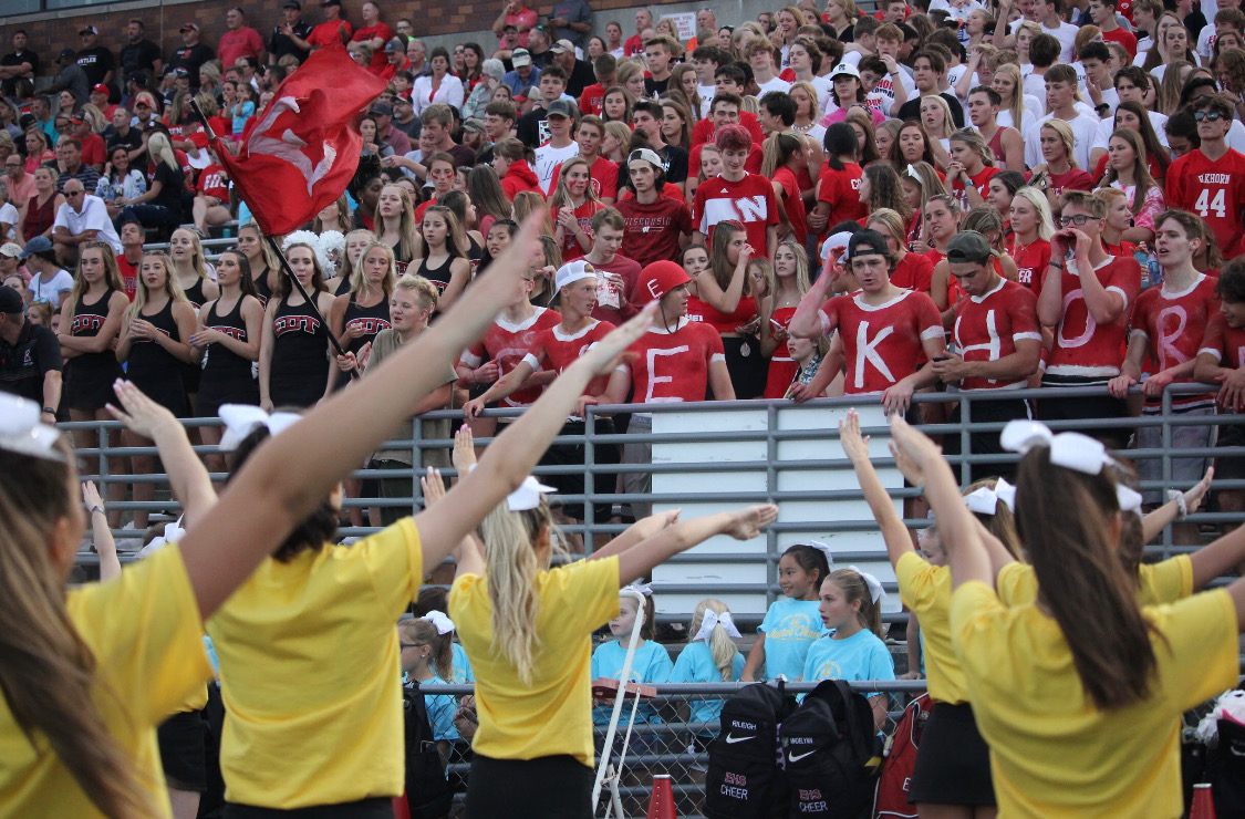 Elkhorn+High+Schools+cheerleaders+getting+the+painters+and+students+rowdy+at+the++Gatorade+Scrimmage+game.