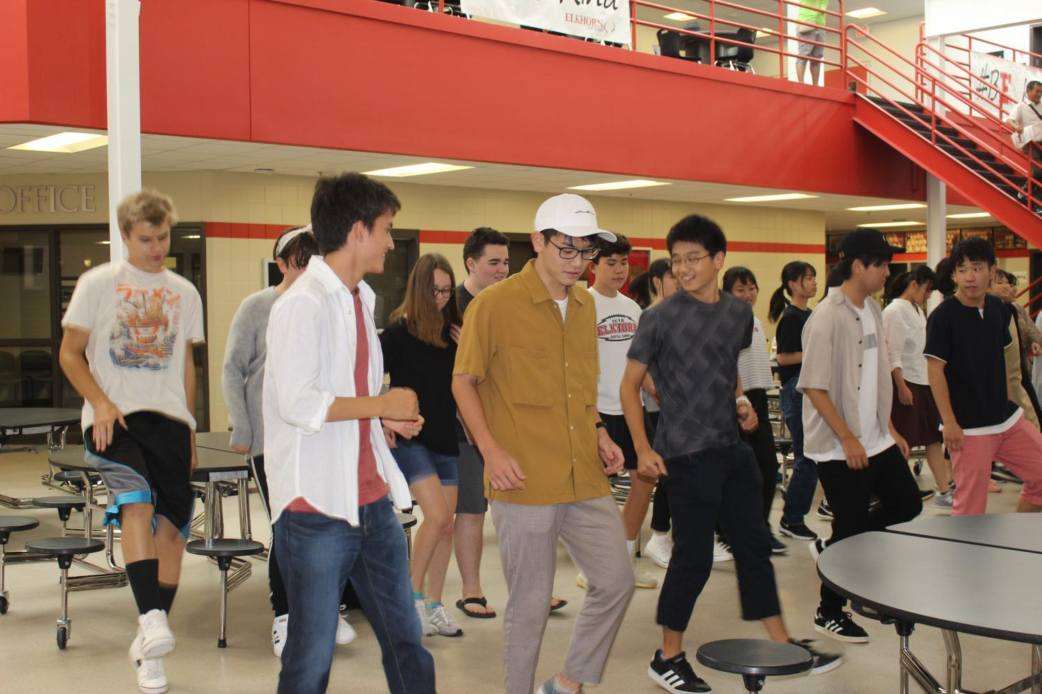 Japanese+students+learn+the+Cupid+Shuffle.+This+song+is+one+of+many+songs+in+which+Japanese+students+learned+a+popular+dance.+