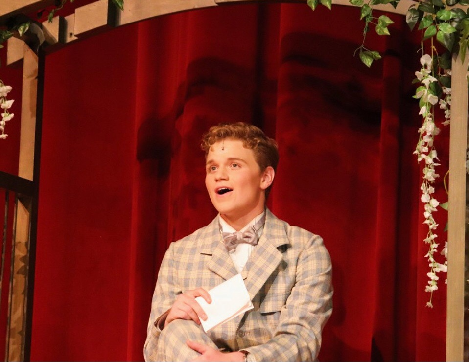 Junior Ben Hastreiter played the lead role as Professor Harold Hill.